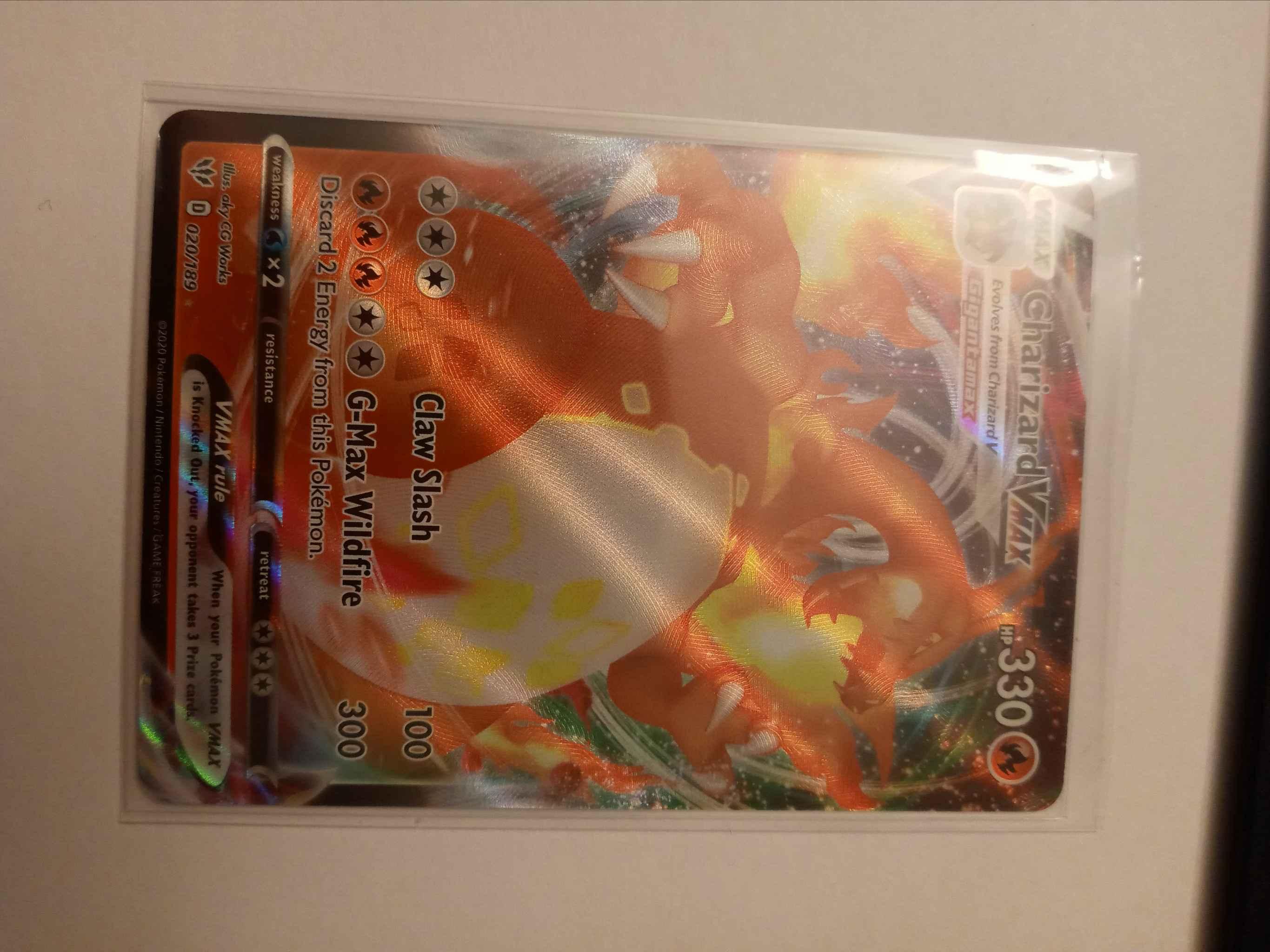 2020 Pokemon Charizard VMAX 020//189 Card Mint Full Art